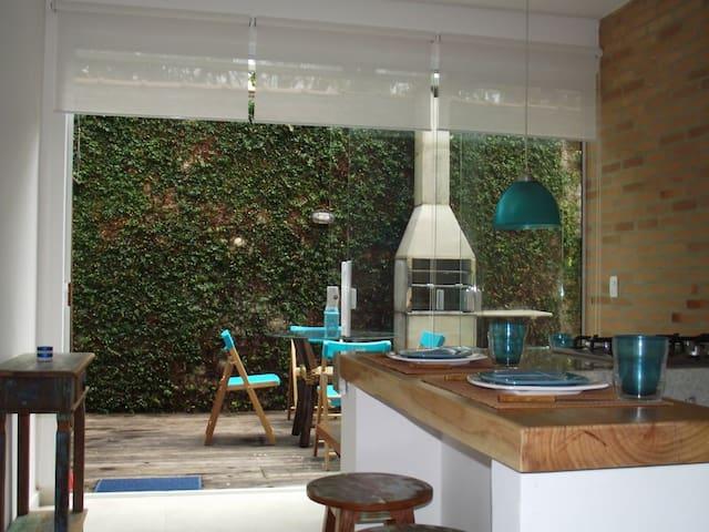 Casa em Condomínio na Barra do Sahy com Wi-Fi