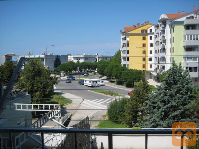 Sunny Small Apartment On The Slovenian Coast - Lucija - Apartamento