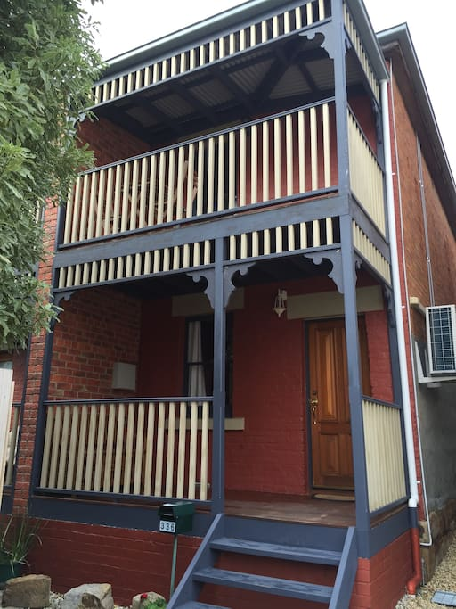 336 Macquarie - 2 storey townhouse