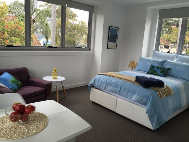 Breezy and tranquil self-contained studio - Randwick - Casa