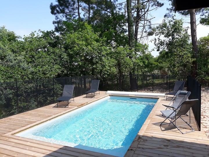 Villa landaise avec piscine et vue sur la forêt
