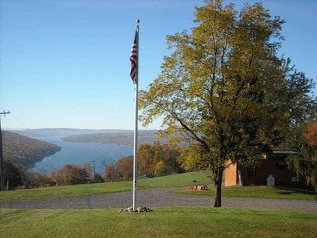 Bluff Point of View Cabin Chalet Rentals - Keuka Lake - Cabin