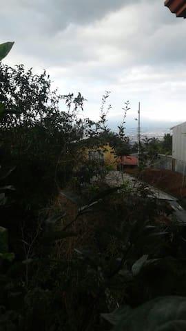 CASA ALVAREZ  HABITACION CON ENTRADA INDEPENDIENTE