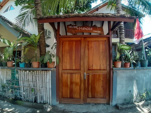 Deluxe room,with AC,hot water, and kitchen@MANGGA
