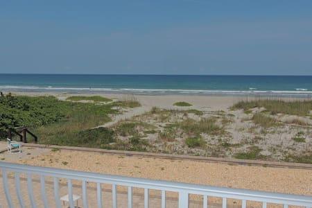 DIRECT OCEANFRONT! Ocean Beach Villas 202! WOW!