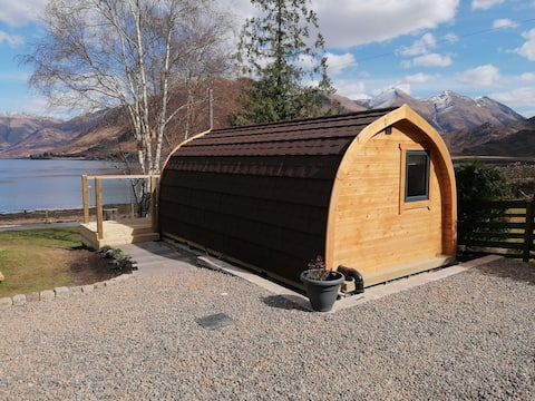 Coorie Inn - Cosy pod on shores of Loch Duich