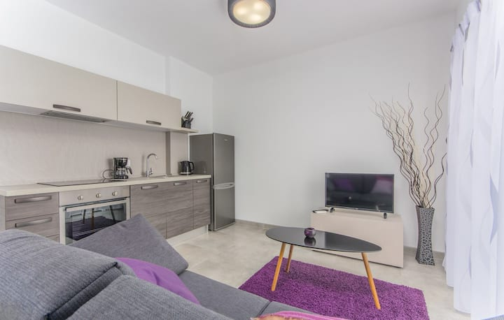 Apartment Complex Katja / Beautiful and Modern Apartment Tija II with Terrace