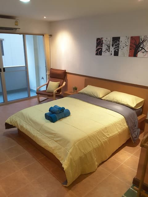 Sa-bai-dee Condo Room 309