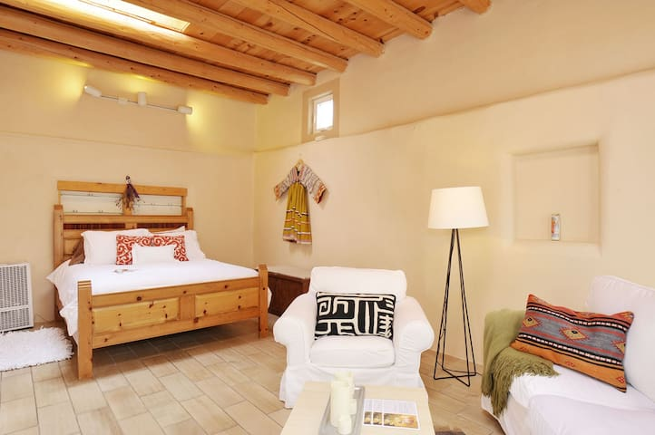 Serene and Spacious Casita for 4!