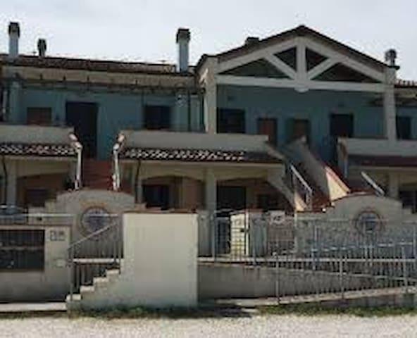 Cosy apartment on the Adriatic Sea. - San Costanzo - Apartament