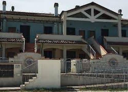 Cosy apartment on the Adriatic Sea. - San Costanzo