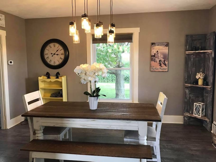Dining Room Table and Cottage Decor