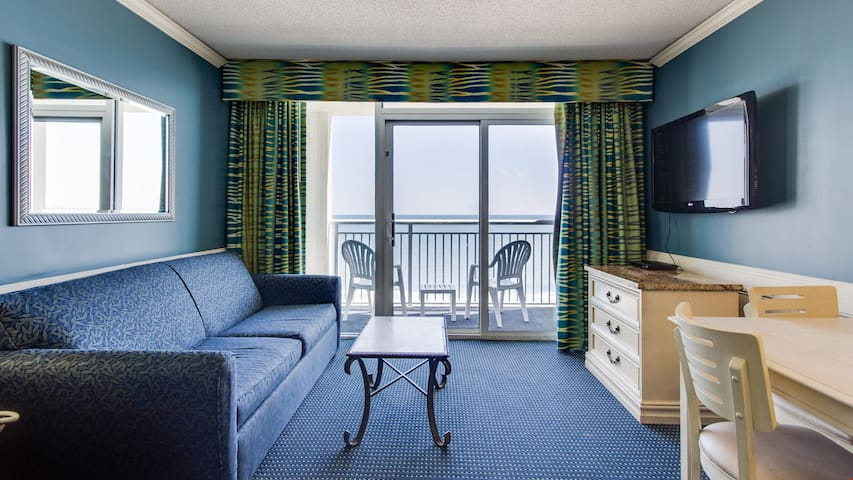 Suite for 6 with Ocean View Balcony! | Pool, Hot Tub + Gym Access