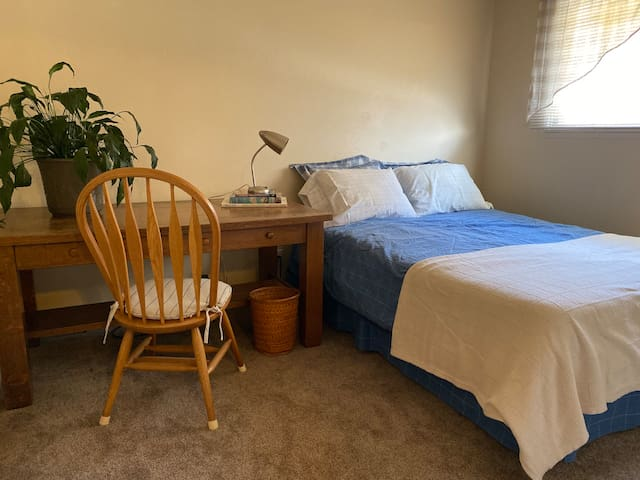 2nd Bedroom with Queen Bed and Antique Desk