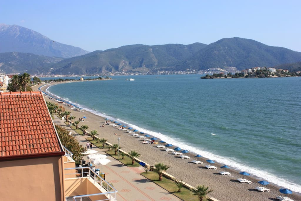 We're 200 steps from Calıs long shingle beach.
