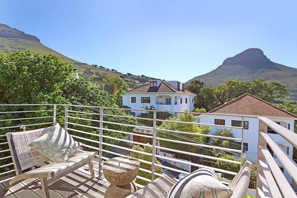 Bright spacious city apartment ateljee appartamenti for Planimetrie delle case in stile cape cod