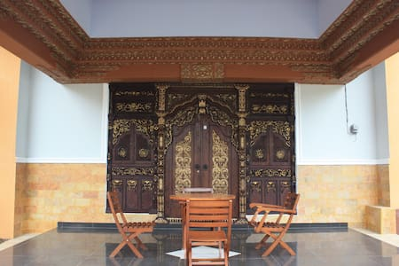 Javanese homy bed & breakfast - Bed & Breakfast