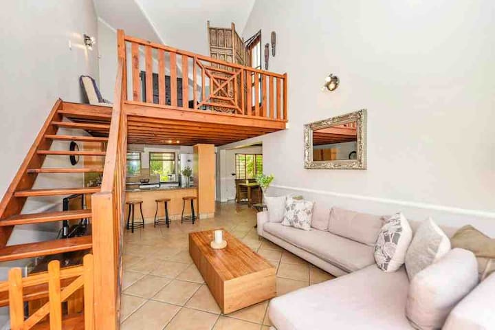 Secure Exec Apartment in Morningside/WiFi/Netflix