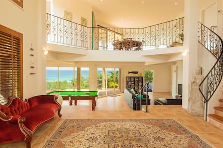 The View Beach House - Castaways Beach - Castaways Beach - Dom