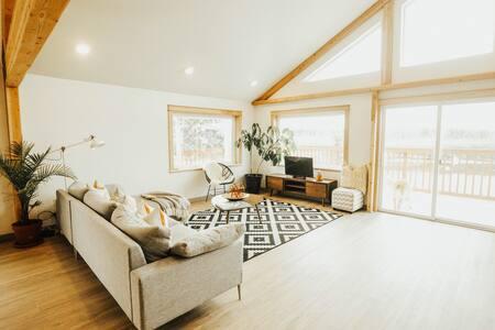 Modern Riverside Residence