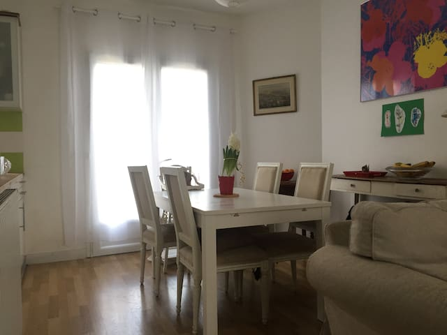 Family house with garden at 5km from Paris