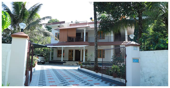 Anand Homestay - Amidst fruits & spices garden 2R