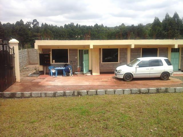 Dagoretti Center * Nairobi * Kenya * Africa - Kikuyu - Flat
