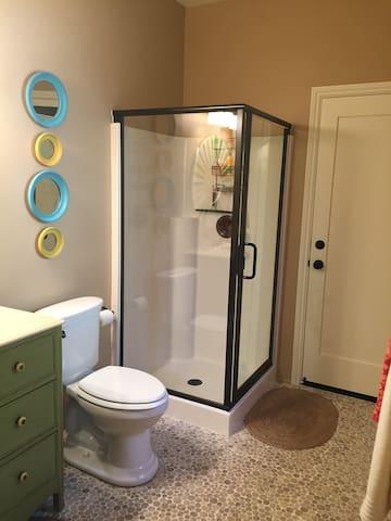 Bathroom + shower.