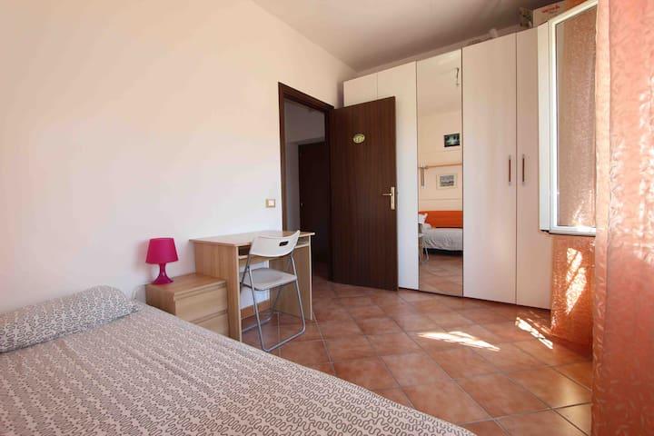 Quiet apartment close to Trastevere - Roma - House