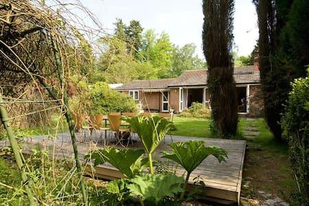 Sleeps up to 30 - Amazing New Forest Location - Brockenhurst