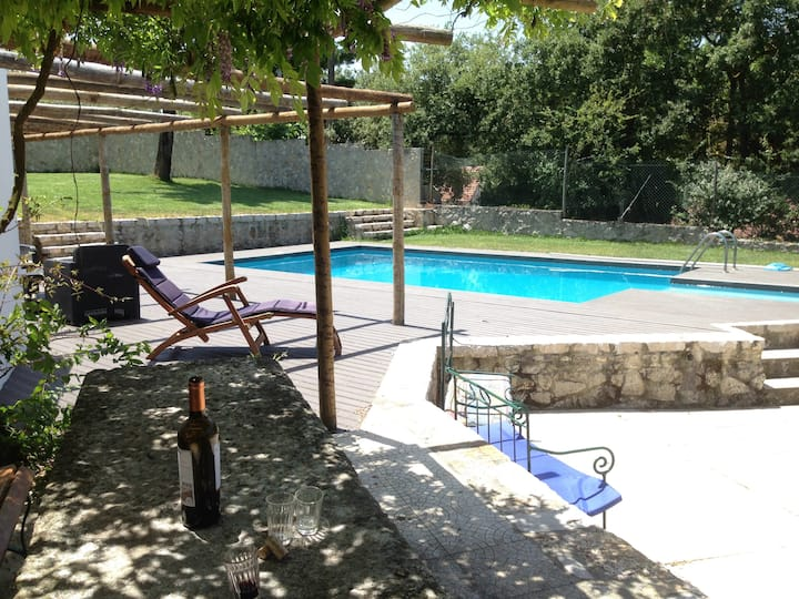 Countryside House Retreat in Porto de Mós