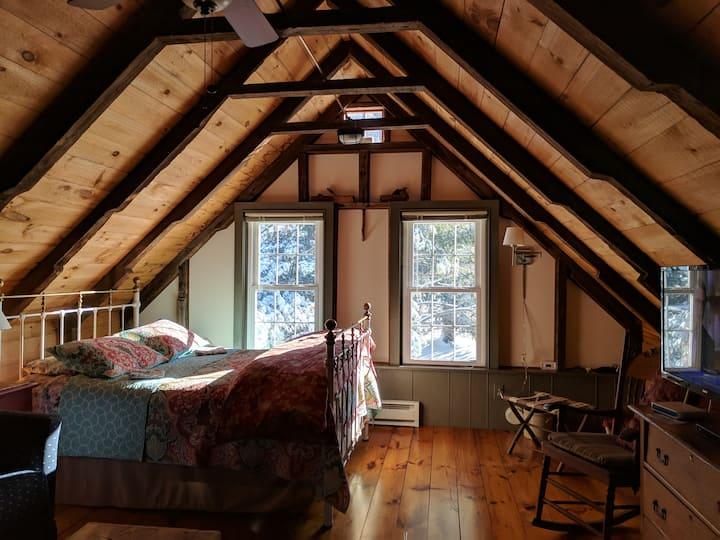 Rustic Barn Studio Apartment