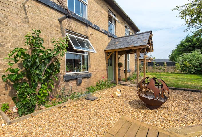Victorian Farm,Double bed,tv,self catering kitchen