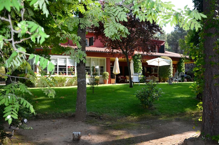 Villa in Luxury Gated Community - Ciudad Ducal - Hytte (i sveitsisk stil)