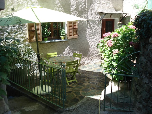 CASA A STRETTA - Castello-di-Rostino - Dům