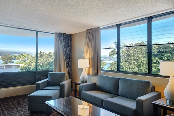 1 Bedroom Corner Suite w/Ocean View - #350