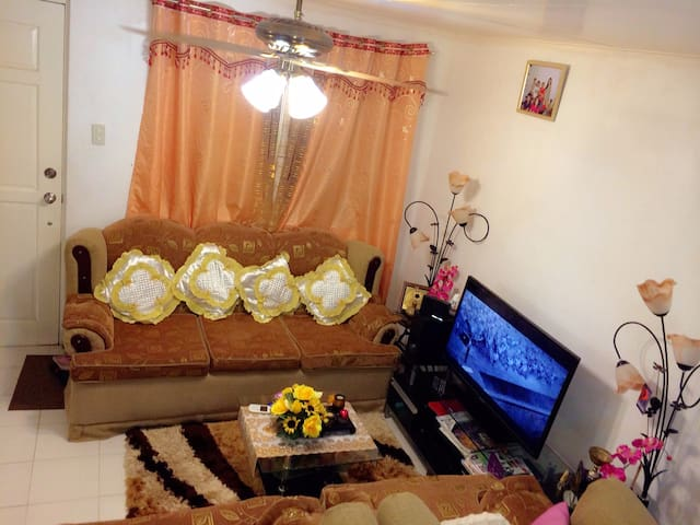BANAL'S TOWNHOUSE - Mabalacat - Appartement