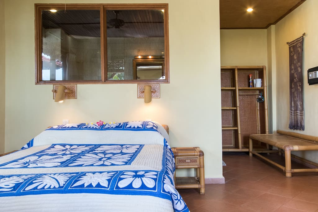 All rooms are light and spacious and have sea view