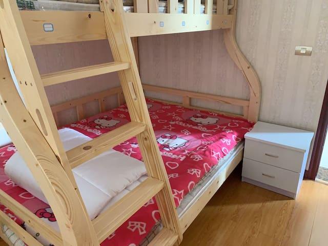 三峡大坝1室高低婴儿床-陈家大院-先咨询再预订
