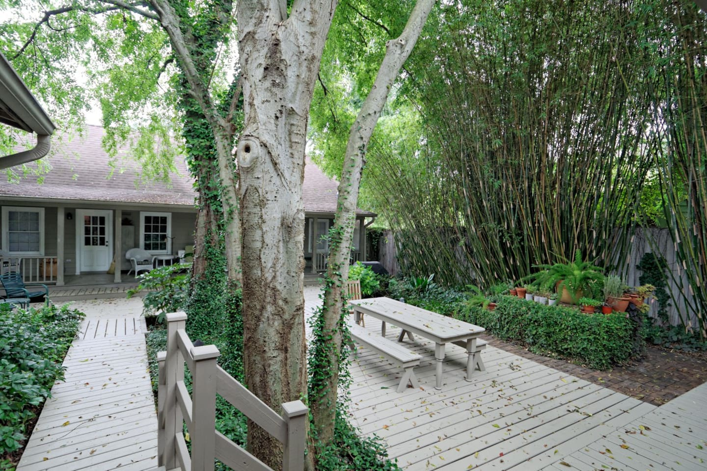 Your own hidden cottage awaits you in Savannah