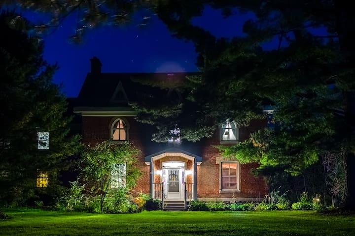 Tucker House Mansion