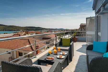 Paradise near Trogir - 特羅吉爾 - 公寓