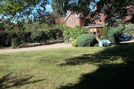 Converted Stables in Conservation Village - Norfolk