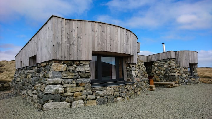 Blackhouse Bothies - Seaspray Bothy