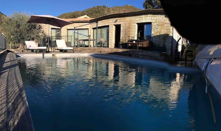 Villa de charme avec piscine entre mer -montagne