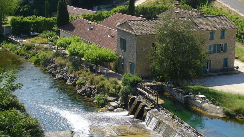 moulin de l'aqueduc - Fontaine-de-Vaucluse - Apartment