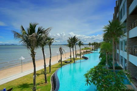 Pattaya Luxury Beachfront  Condo