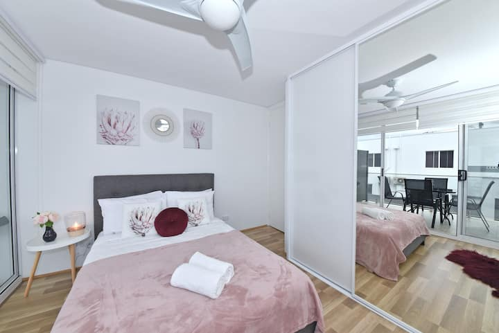 New Homely Apartment Near Airport & Perth City 07