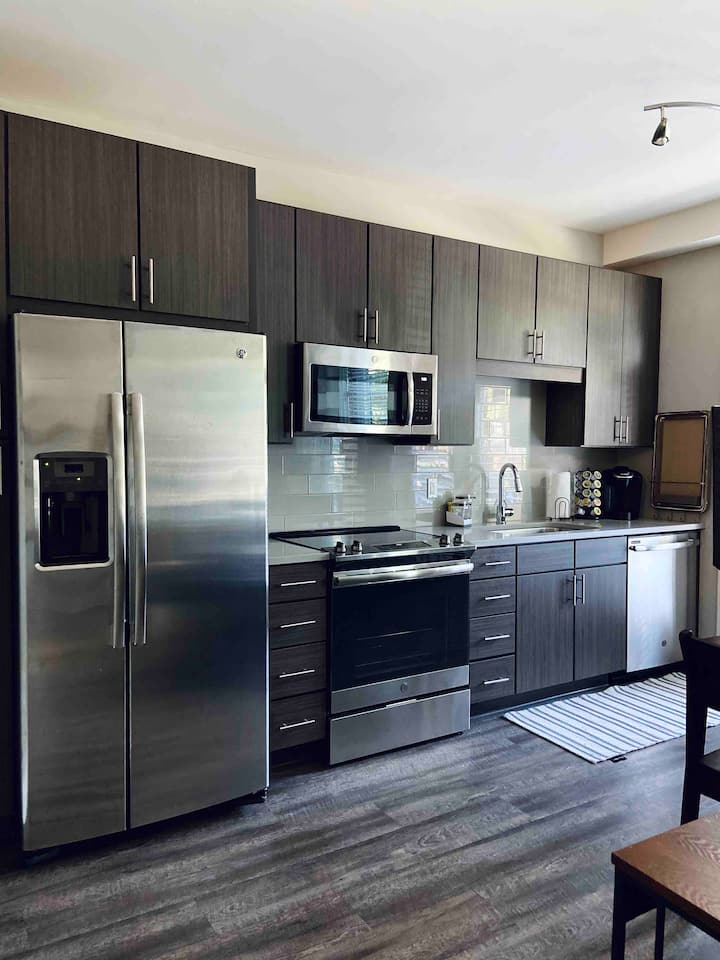 Falls Park and Main St. Luxury Condo with Parking