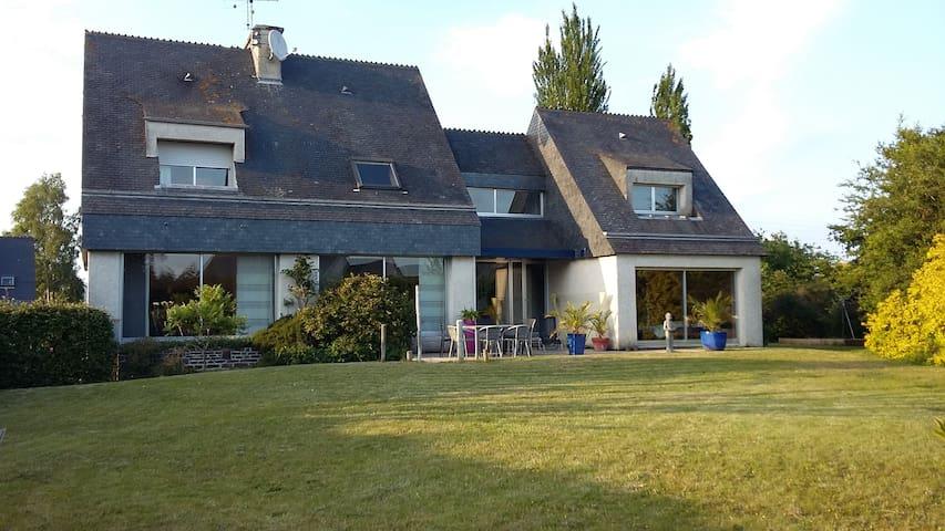 Maison d'architecte Presqu'île d'Hillion - Hillion - House